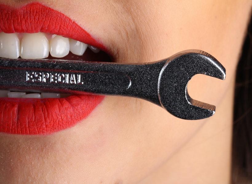 Begini Trik Mudah Atasi Gigi Ngilu