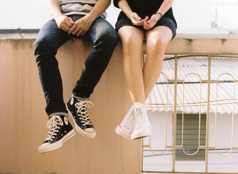 Perempuan Pilih Pasangan Lebih Muda? Ini Kelebihannya!