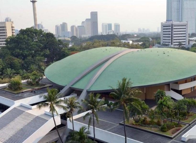 Sepenggal Kisah tentang Gedung DPR/MPR Jakarta