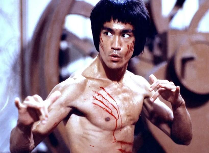 "Puluhan Tahun Berlalu, Berikut Kabar ""Musuh"" Bruce Lee Saat Ini"