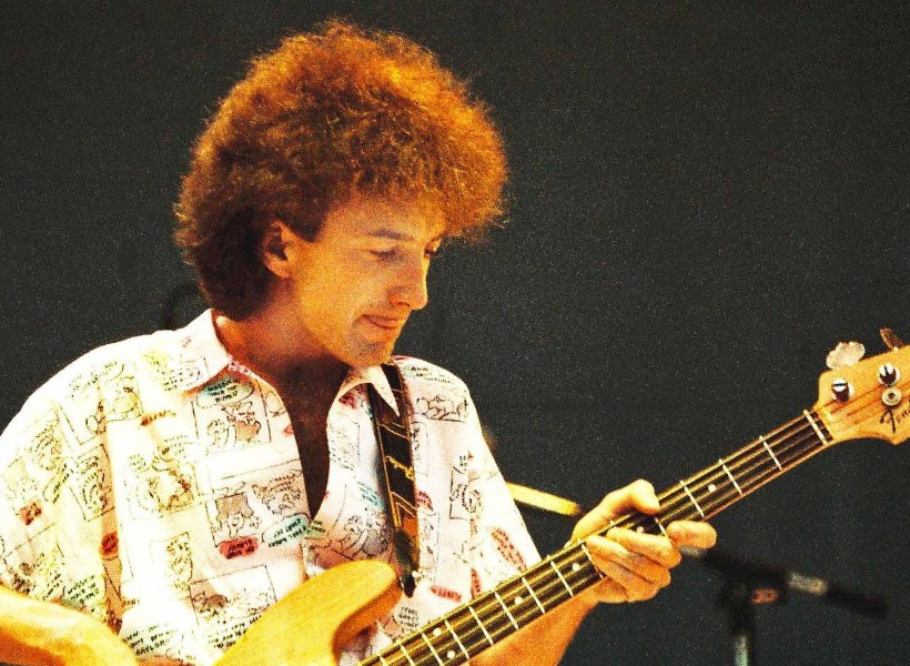 Kisah John Deacon, Bassist Band Queen yang Memilih Hidup dalam Kesunyian