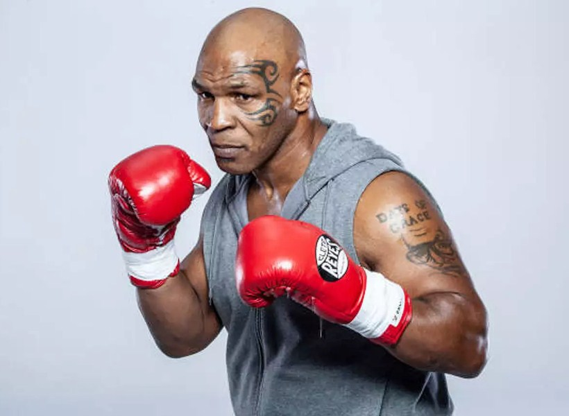 """Deretan Fakta Menarik si """"Leher Beton"""" Mike Tyson"""