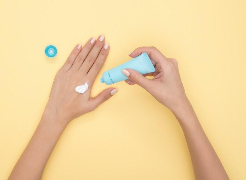 Alasan Kenapa Harus Pakai Sunscreen meski di Rumah