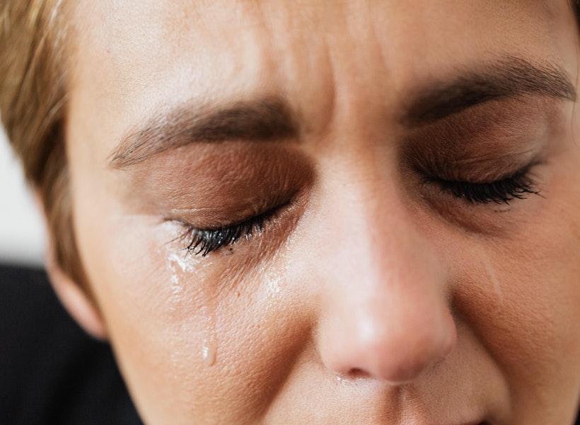 Bukan Sedih, Perlu Diketahui Efek Positif Menangis