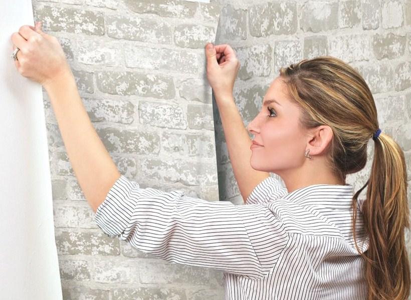 Tips Mudah Memasang Wallpaper di Rumah