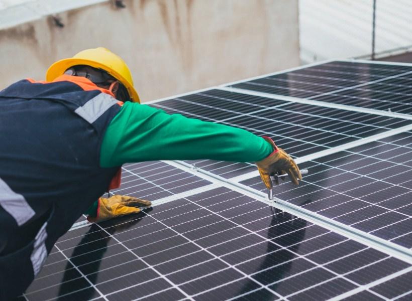 Frustasi Tagihan Listrik Bengkak? Solar Panel Mungkin Jawabannya