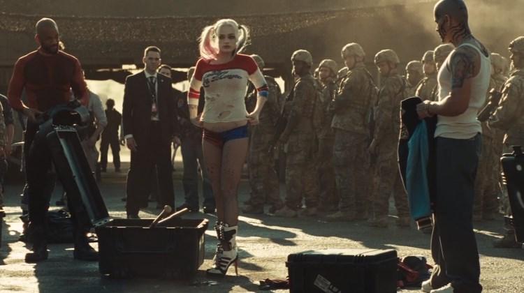 Yur Clips - Adegan Harley Quinn Ganti Baju Depan Prajurit