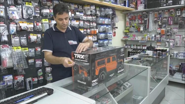 Gila Mainan - Land Rover Traxxas TRX-5
