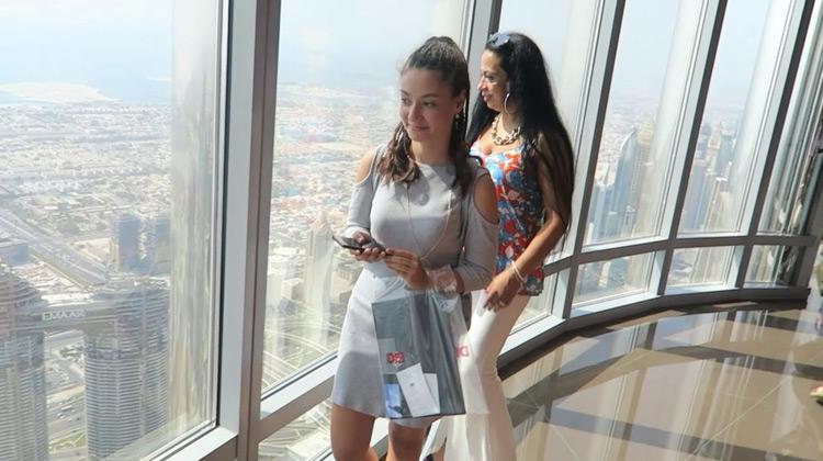 Traveling World - Dubai Burj Khalifa-TOUR dan VIEW dari lantai 124 & 125