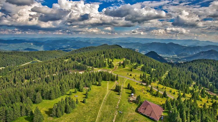 Traveling World - Keindahan Alam Bulgaria dengan Gunung - gunung dan Perbukitan
