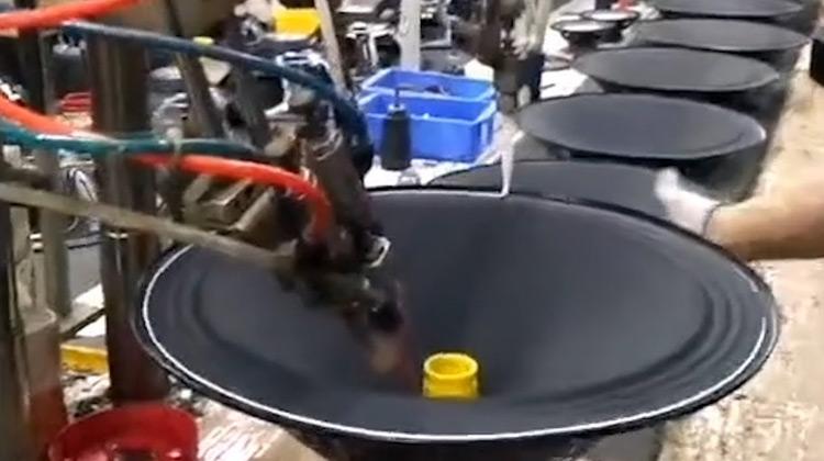 Kepo Media - Beberapa Jenis Mesin Produksi dalam Dunia Industri