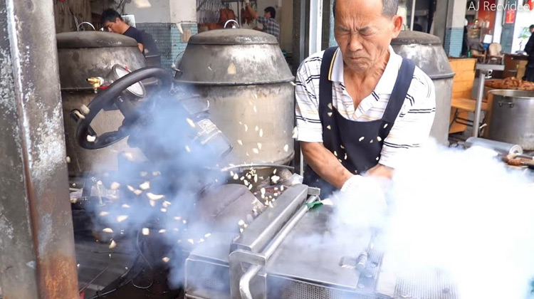 Kuliner Channel - How Puffed Rice Candy is Made - Street Food Taiwan