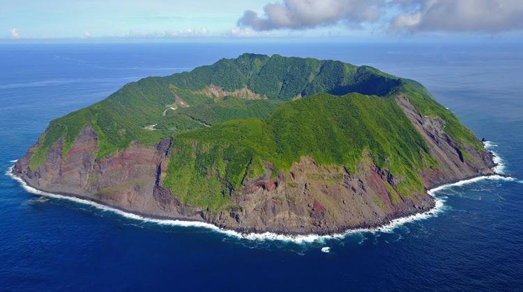 Traveling World - Mengunjungi Pulau Rahasia di Jepang