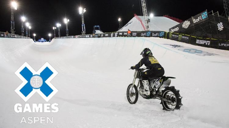 Show Moment - Harley-Davidson Snow Hill Climb