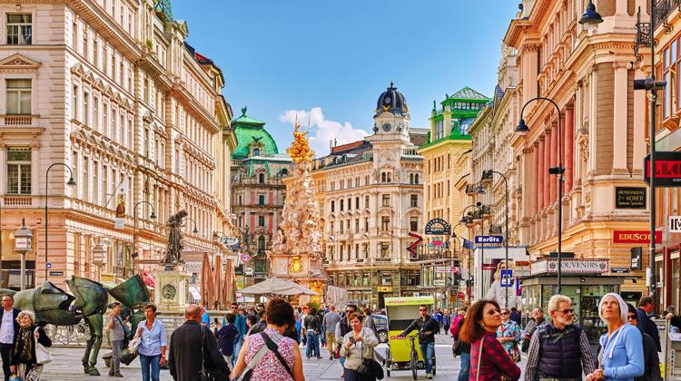 Traveling World - Walking in VIENNA, Austria
