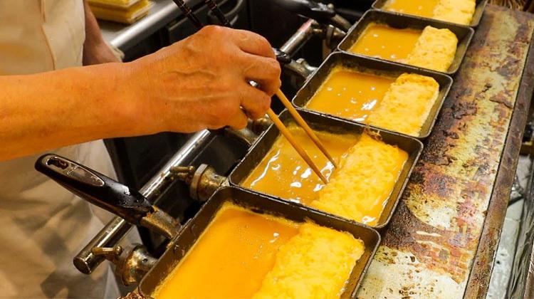 Kuliner Channel - TMAGOYAKI Bread - Japanese Street Food