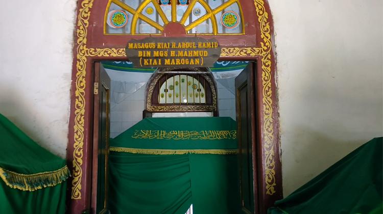 Brisik.ID - Sejuta Hajat Peziarah di Makam Kiai Muara Ogan di Palembang