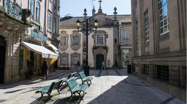 Traveling World - Viseu Walking Tour Portugal