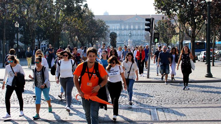 Traveling World - Walking Tour to Porto, Portugal