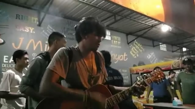 Putrayasa - Keren Parah Suara Dari Pengamen Asal Lombok