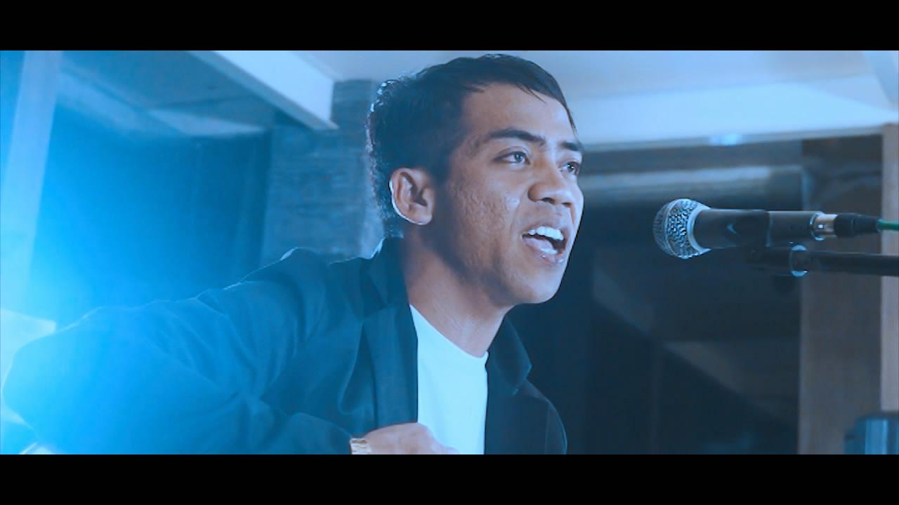Putrayasa - NOVEMBRIL - DENGAR BISIKANKU (Official Music Video) || Karya Anak Lombok