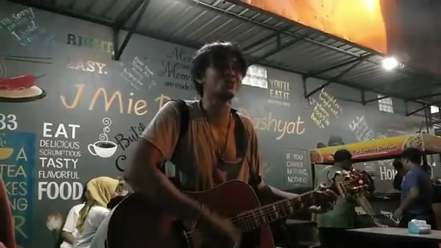 Putrayasa - Keren Musisi Jalanan Lombok Cover Joy Tobing - Karena Cinta