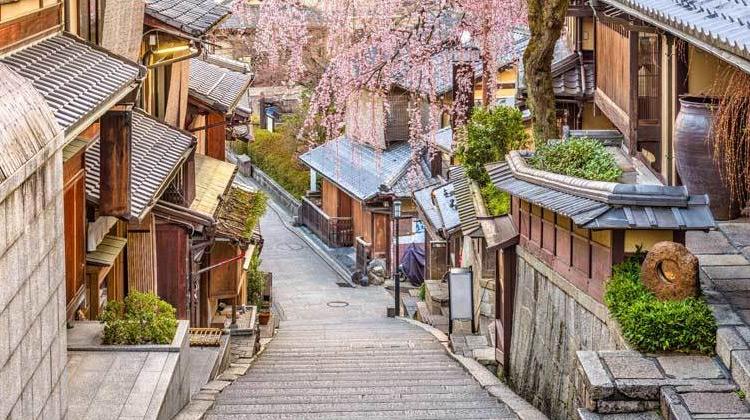 Traveling World - 80 Tempat Musim Gugur Terbaik di Kyoto