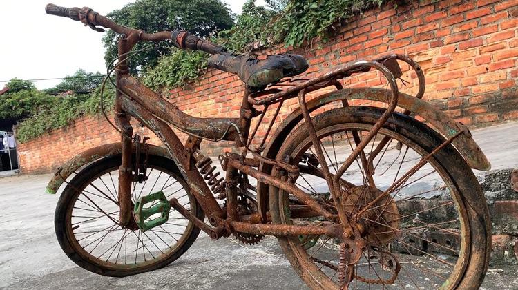 Kepo Media - Restorasi Sepeda Anak yang Berkarat