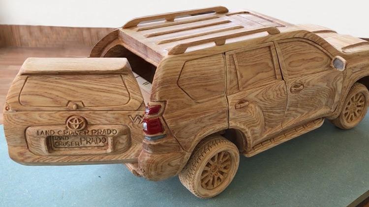Kepo Media - Membuat Miniatur Toyota Prado Dari Kayu