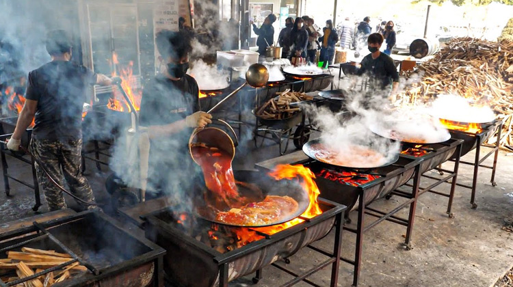 Kuliner Channel - Tumis Nasi Ayam | Street Food Korea