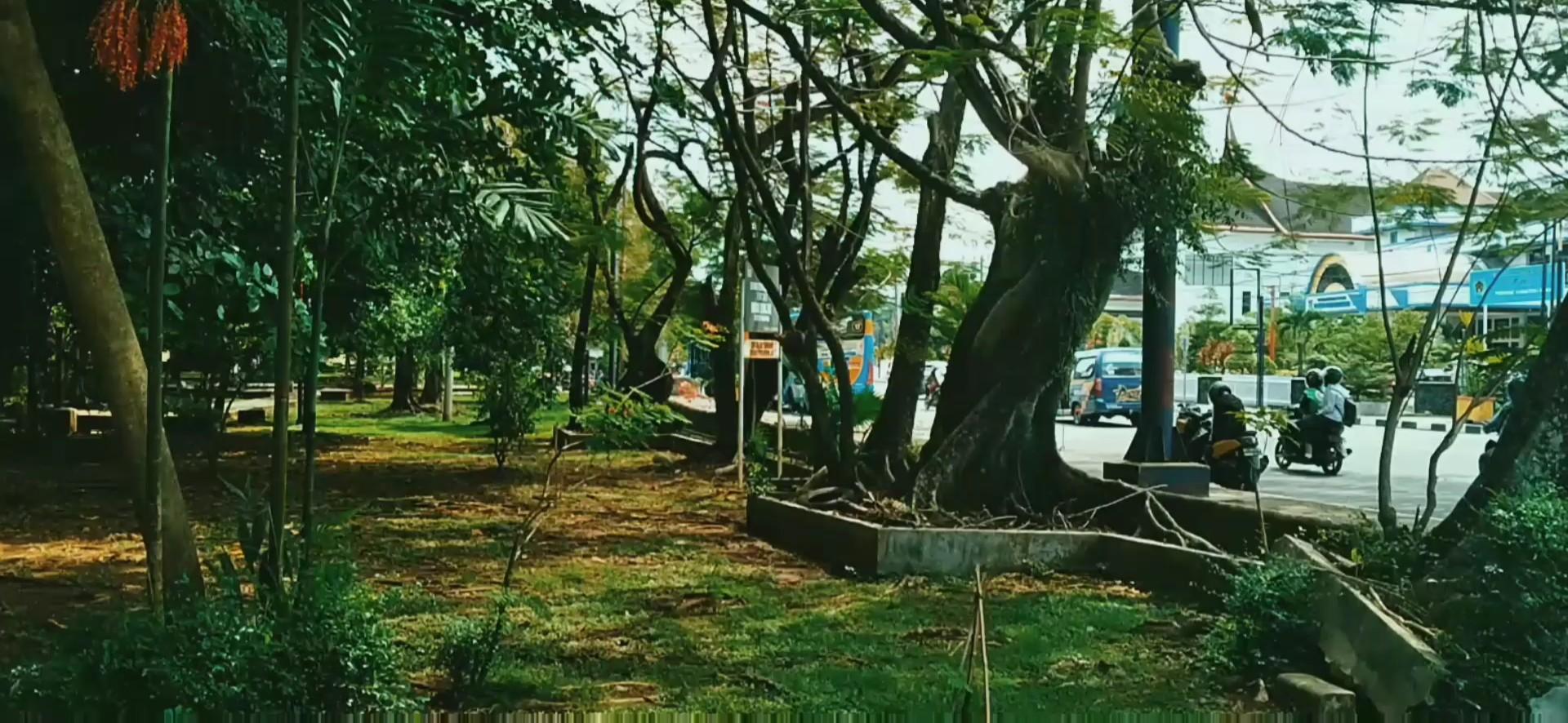 Elegan studio - Bersantai di Taman Imam Bonjol Kota Padang