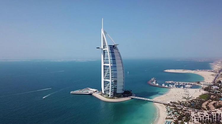 Traveling World - Tour Restoran di Burj Al Arab