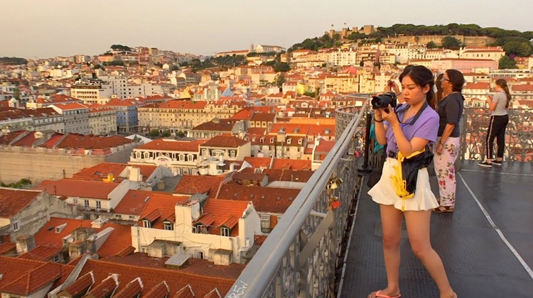 Traveling World - Lisbon Walk to Santa Justa Lift