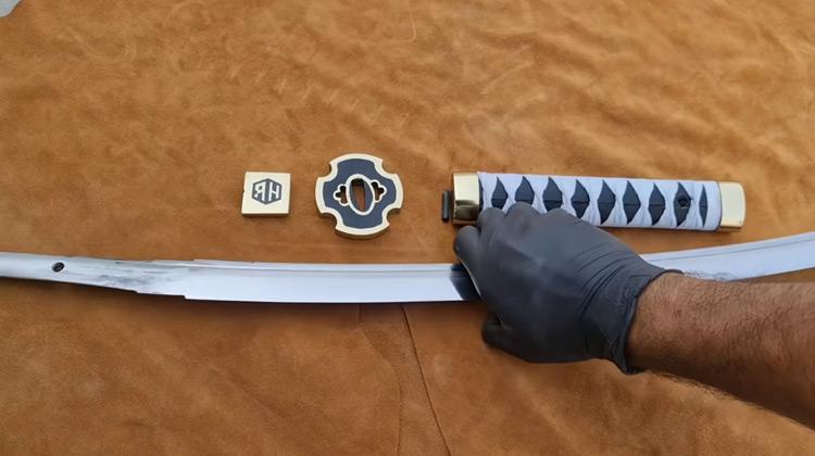 Kepo Media - Membuat Pedang Katana dari Rel Keraeta Api