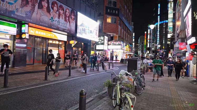 Traveling World - Jalan-jalan Malam di Lampu Merah Jepang | Night Tokyo