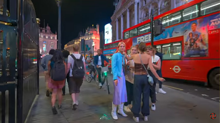 Traveling World - Central London Night Clubs After Midnight London Night Walk - August 2021