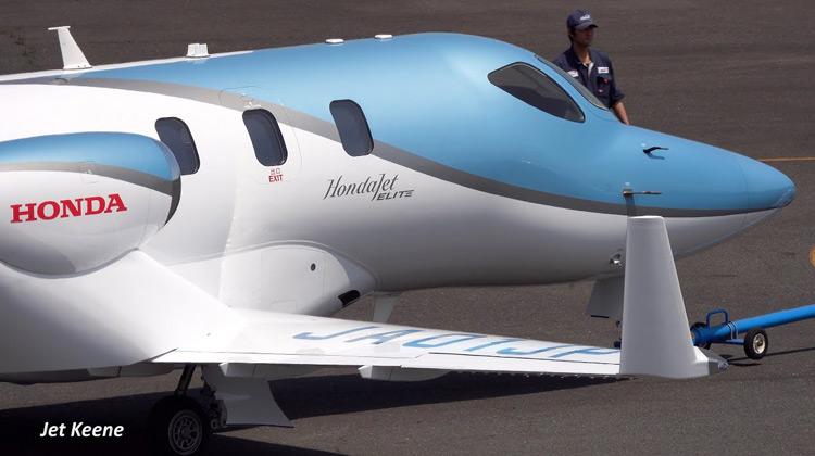 Penerbangan Perdana Honda Jet Elite JA01JP